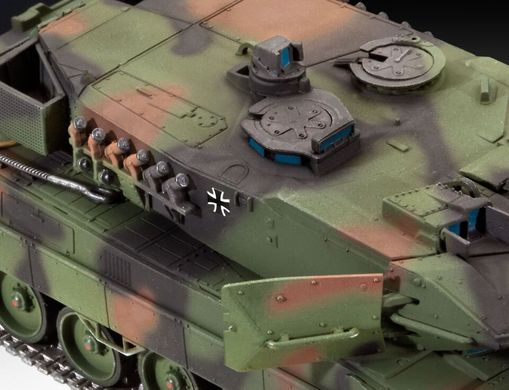Танк Leopard 2 A6/A6M, 1:72, Revell, 03180